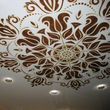 Натяжной потолок фотопечать орнамент
