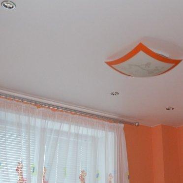 Матовый натяжной потолок в малогабаритную квартиру