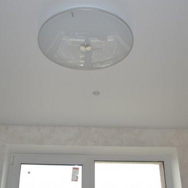 Матовый натяжной потолок в студии