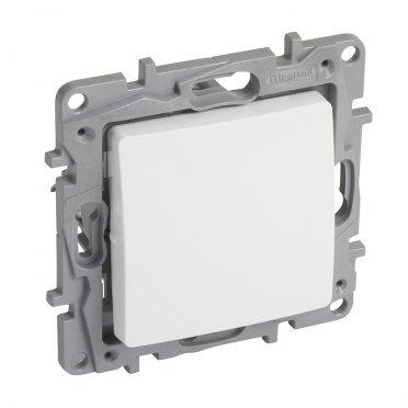 Переключатель Legrand Etika 672209 одноклавишный перекрестный скрытая установка белый