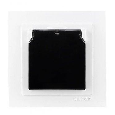 Розетка с рамкой Nilson TOURAN 24111618 скрытая установка белая с заземлением с крышкой